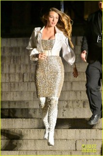 margot-robbie-blake-lively-go-glam-for-chanel-fashion-show-in-nyc-03.jpg