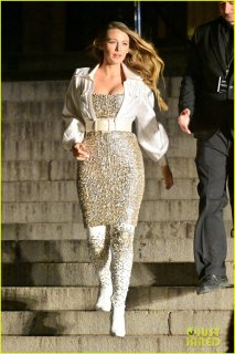 margot-robbie-blake-lively-go-glam-for-chanel-fashion-show-in-nyc-06.jpg