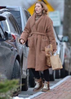blake-lively-out-shopping-in-new-york-12-26-2018-5.jpg