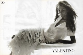 vogue russia march 1999 hall.jpg