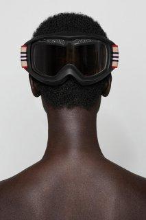 burberry-Icon-Stripe-ski-googles-capsule-collection-the-impression-001.jpg