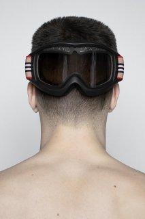 burberry-Icon-Stripe-ski-googles-capsule-collection-the-impression-006.jpg