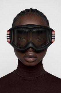 burberry-Icon-Stripe-ski-googles-capsule-collection-the-impression-008.jpg
