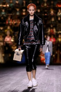 Louis-Vuitton-RTW-FW20-Paris-1052-1583262089.jpg
