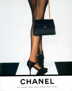 Lagerfeld_Chanel_Fall_Winter_90_91_01.png