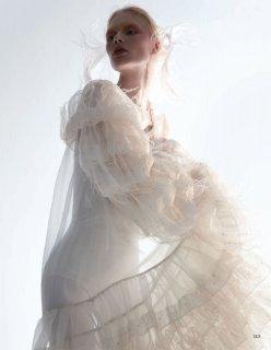 Vogue 服饰与美容 - 六月 2020-118 拷貝.jpg