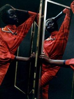 30tmag-fashion-cover-slide-9BDH-superJumbo.jpg