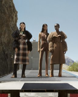 Burberry-fall-2020-ad-campaign-the-impression-005-scaled (1).jpg