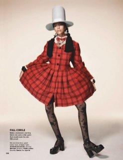 Vogue IN 11.2020_downmagaz.net-200 拷貝.jpg