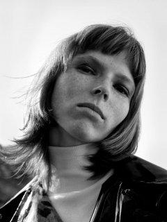 Johan-Sandberg-Vogue-Laura-Beuger-4-768x1024.jpg