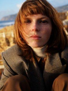 Johan-Sandberg-Vogue-Laura-Beuger-14-768x1024.jpg