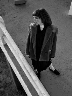 Johan-Sandberg-Vogue-Laura-Beuger-15-768x1024.jpg