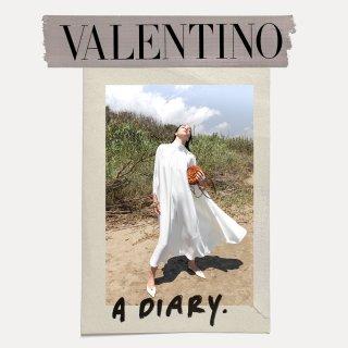 valentino_diary_spring_21_w_1080x1080_01.jpg