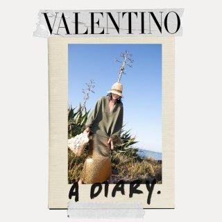 valentino_diary_spring_21_w_1080x1080_04.jpg