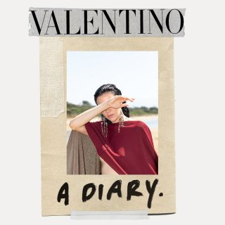 valentino_diary_spring_21_w_1080x1080_06.jpg