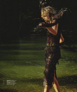 Vogue Australia - November 2020-175 拷貝.jpg