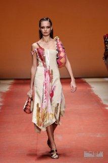 2048212_europeana_fashion_laura_biagiotti_ss05_086.jpg