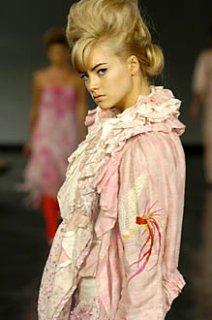 model_blonde.jpg