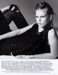 Alexandra Richards _ Vogue-Fr 1 12-2004.jpg