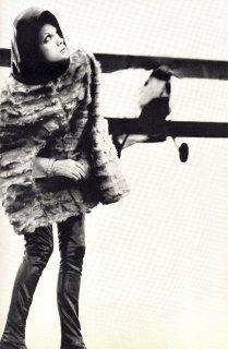 british_vogue_december_1967__newton5sm.jpg