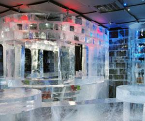absolut-icebar-at-night.jpg