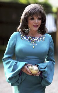 Joan-Collins-style-icon-A-006.jpg