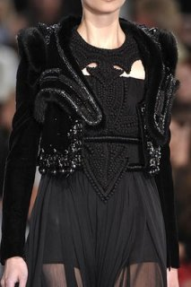 givenchy-couture-runway-fall09-details-2.jpg